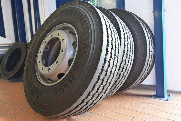 Bild Reifen und Raeder
