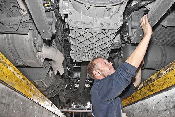 Bild Wartung und Reparatur von Nutzfahrzeugen
