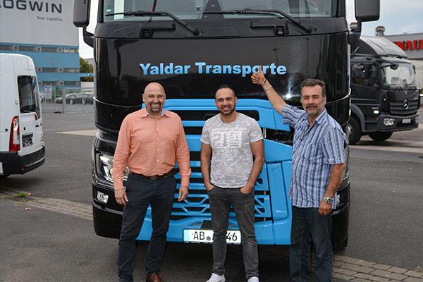 Jörg Sack übergab Miet-LKW an Yaldar Transporte