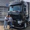 Jörg Sack und Stefan Ruppert vor dem neuen Renault T 520 high SleeperCab